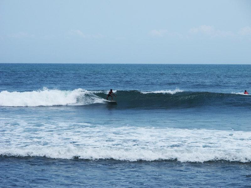 Surf en Bali - Medewi