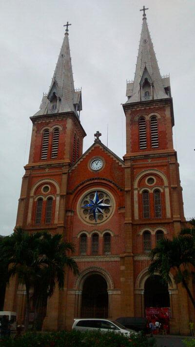 Imprescindibles en Ho Chi Minh City - Catedral Notre Dame