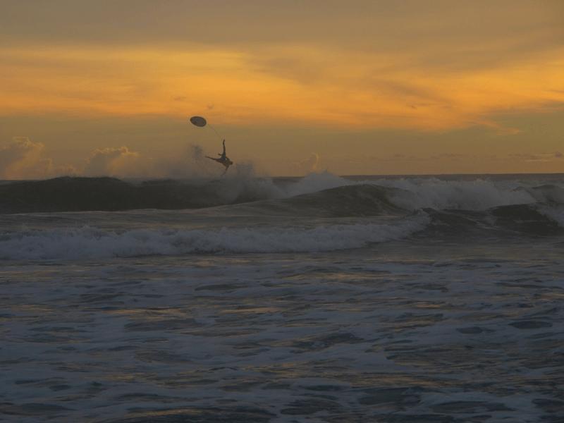 Playas dónde surfear en Krui - Mandiri