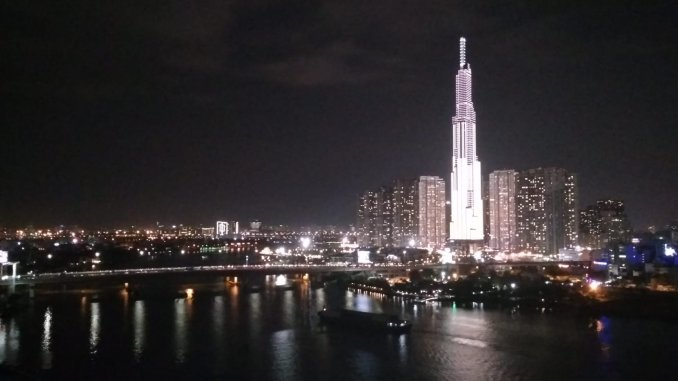 Volar barato a Ho Chi Minh City - Landmark de noche